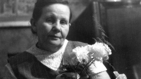 ייעוץ הנקה של המיילדת מאושוויץ